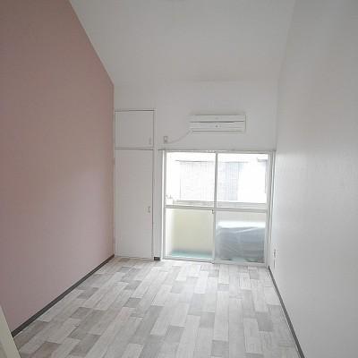 お家賃1万円台!!ピンクのアクセントクロスがかわいいリノベ部屋(*''▽'')