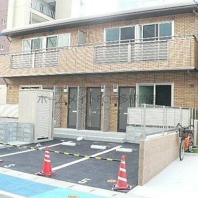 住みやすさで人気の箱崎エリア。箱崎駅隣、スーパー目の前で便利です。