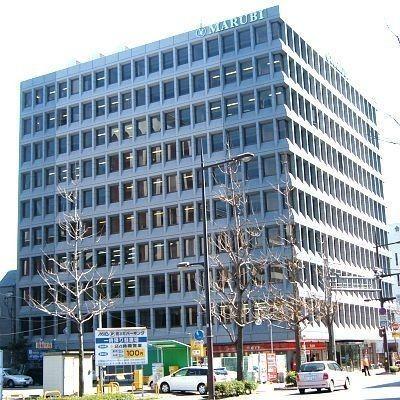 JR小倉駅から徒歩9分!モノレール平和通り駅徒歩4分!諸条件交渉できます。 1Fコンビニ。